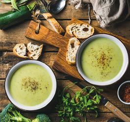 Recept van Rineke Dijkinga: Een basische wintersoep